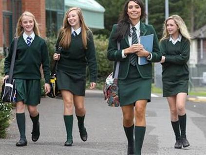 英国高中校服样式怎样
